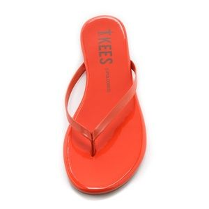 NEW Tkees Lipgloss Patent Flip Flops in Poppy - 7